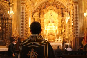 Aprenda a Oração de Santo Tomás de Aquino para antes da Santa Missa
